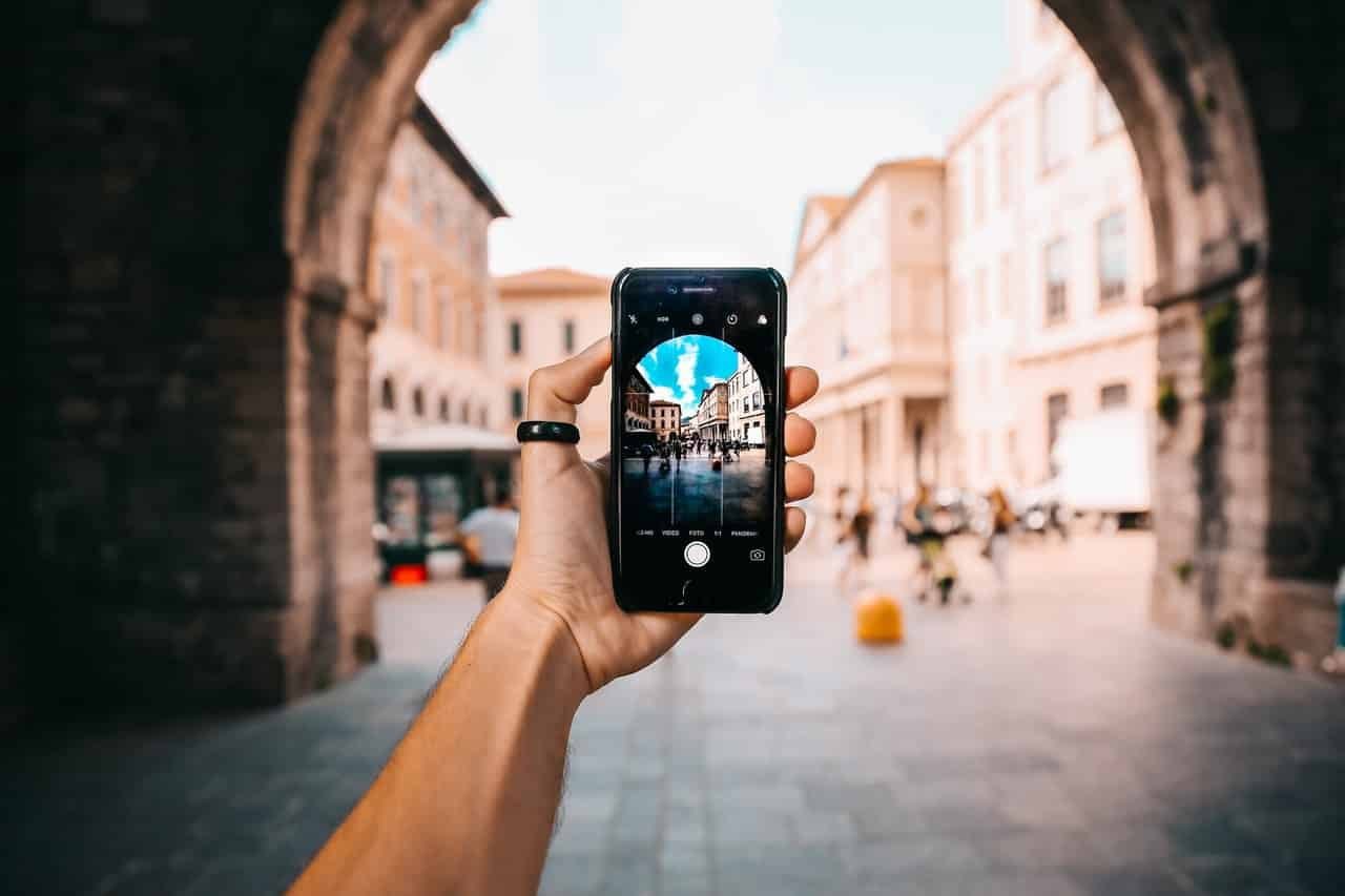 Cómo se gana dinero con las fotos que tomas con tu Smartphone